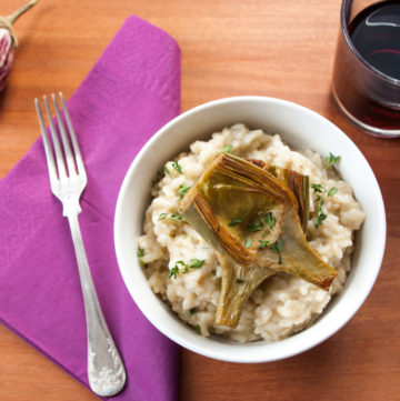 Aubergine Risotto with Artichokes – Healthy risotto  recipe with roasted aubergine, caramelised artichokes and creamy Greek yoghurt. A tasty vegetarian entree or dinner. By @deliciouscratch | deliciousfromscratch.com