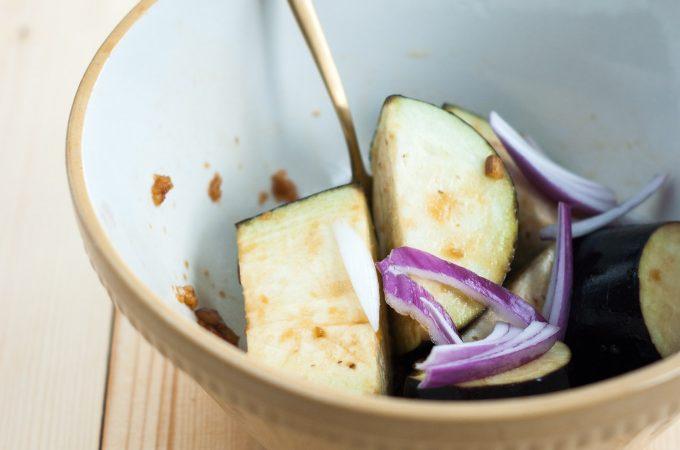 Garlic-ginger-chilli-soy dip and marinade