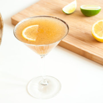Golden Barbecued Margaritas – A char-grilled version of the queen of cocktails, golden from the tequila, honey and seared, caramelised lemon and lime. Sweet, tart, smoky and boozy. By @deliciouscratch | deliciousfromscratch.com