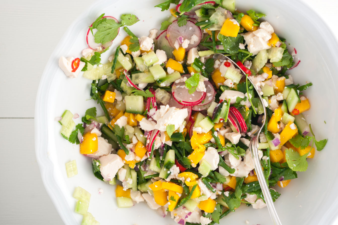 Silken Tofu Ceviche with Mango – This vibrant salad recipe is sweet, tart and spicy, with citrus-cured silken tofu, mango, samphire and herbs – a super healthy, hugely flavourful vegetarian and vegan ceviche. By @deliciouscratch | deliciousfromscratch.com
