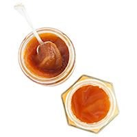 Natural honey, rich in vitamins, minerals, enzymes and yeasts.